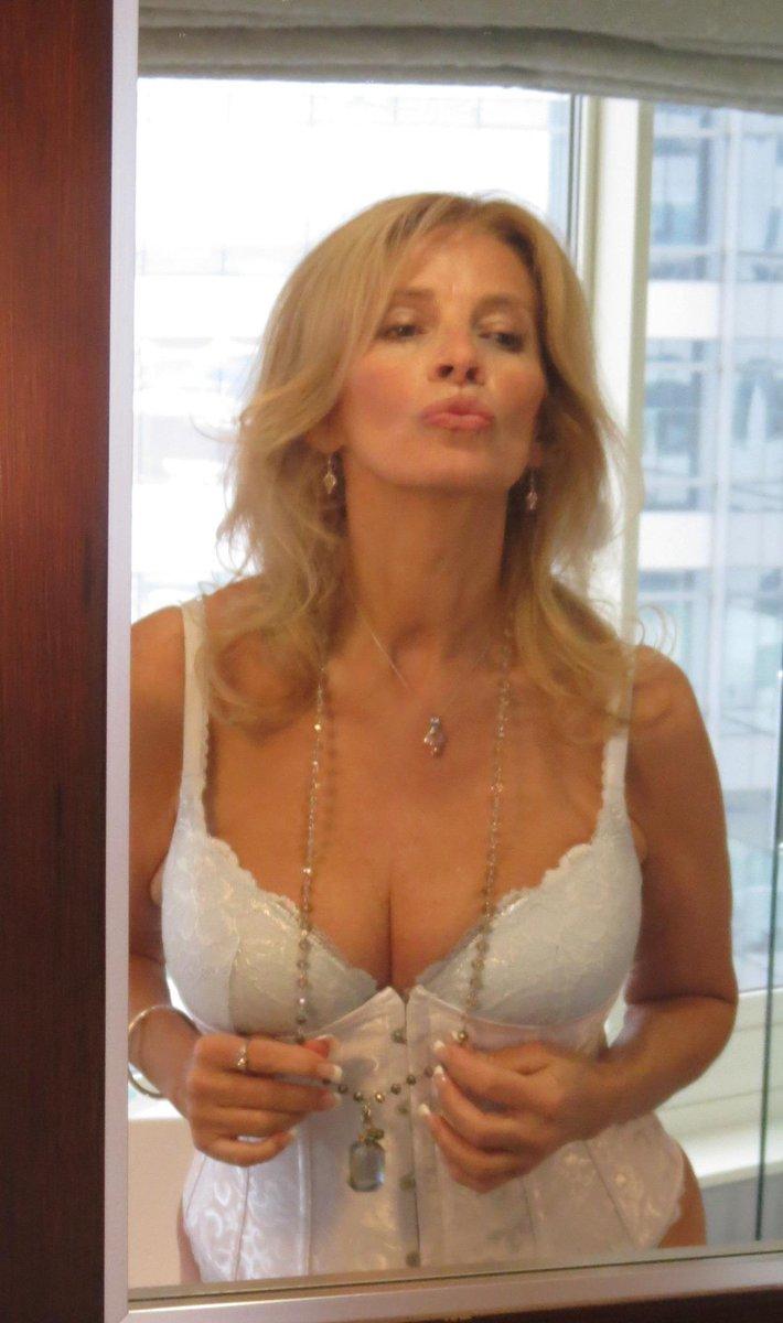Hillary scott hot blonde take anal sex and got a cream 3