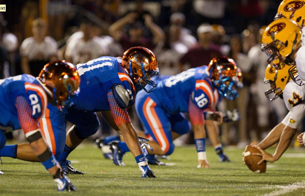 ... best uniforms in high school football pic.twitter.com drNHW7br84