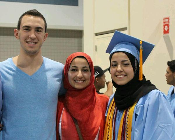 So sad to hear about the #ChapelHillShooting that ended up w/ 3 dead Muslims in North Carolina! yet no media coverage http://t.co/kcbBUGkCeE