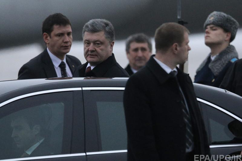 Милиция изъяла арсенал оружия из автомобиля на блокпосту в Харьковской области - Цензор.НЕТ 3910