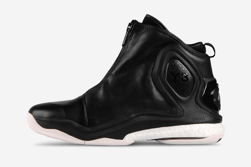 23a6d9a7e y 3 has released the d rose 5 take a closer look here drose adidasy3 adidas
