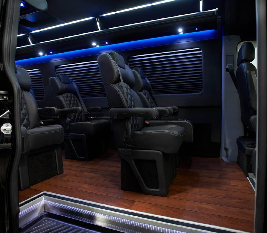 Book a @RideSTG vehicle for a Saturday or Sunday & get up to 20% off! #Chicago #Limousine http://t.co/FBWNEPjUhX http://t.co/0Y6WcNMPza
