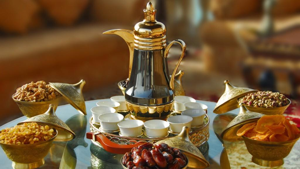Dawn coming up with arabic coffee with my best MoM in the world at morning   #walkmyworld http://t.co/VNMjUOIqgT