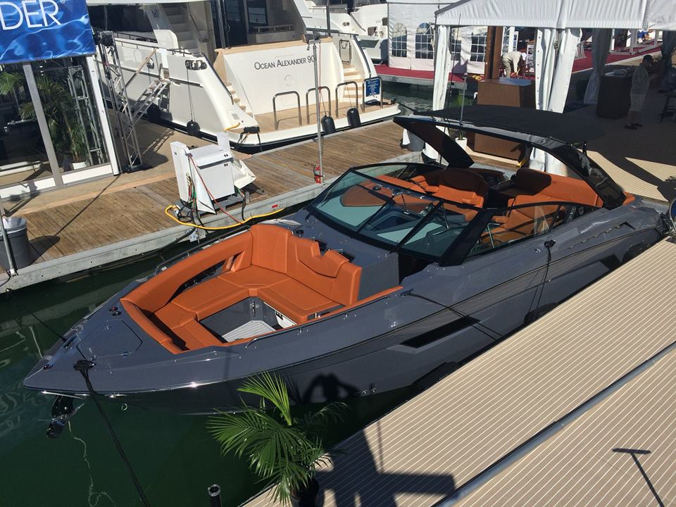 Just Fell In Love Over The Weekend 327 Chap Boat