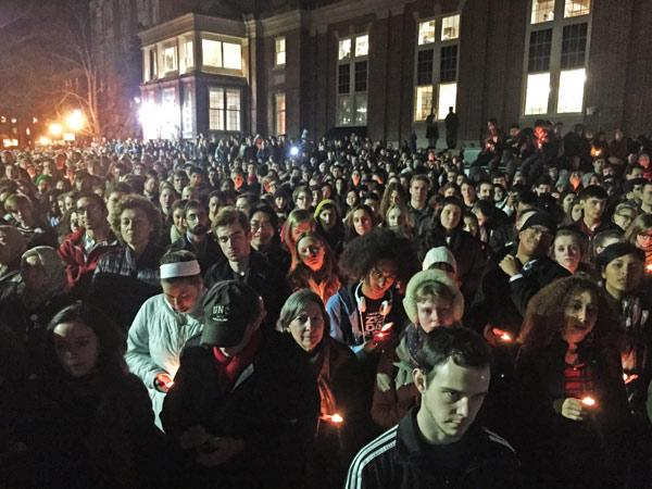 Huge turnout on UNC campus as a show of unity after shooting http://t.co/sDVpm2dvYA #3MUSLIMS #ChapelHillShooting http://t.co/jocdQ6aDpR