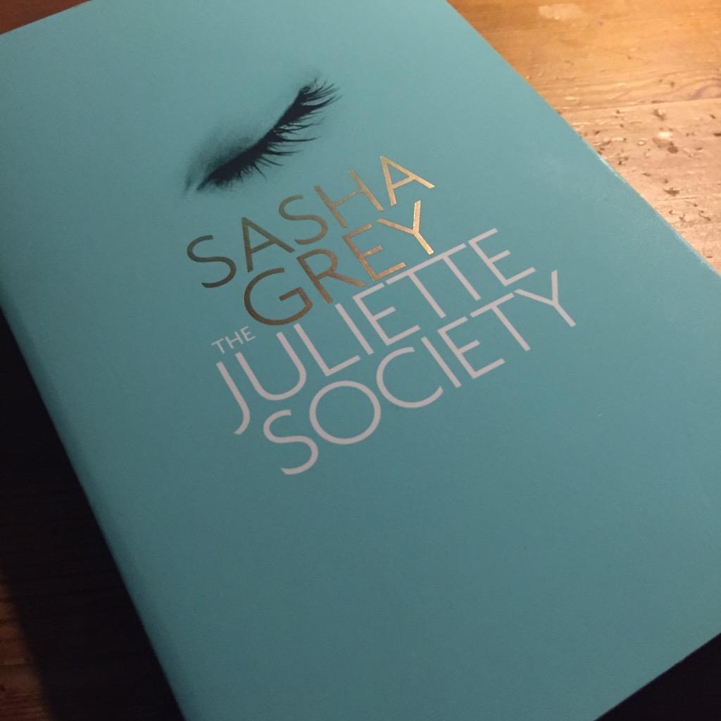 @SofievandenEnk @JinekLive Raad je beter dit boek aan van @SashaGrey. ;) #50Shades  #jinek #tv #julietsociety http://t.co/9U7FfR245W