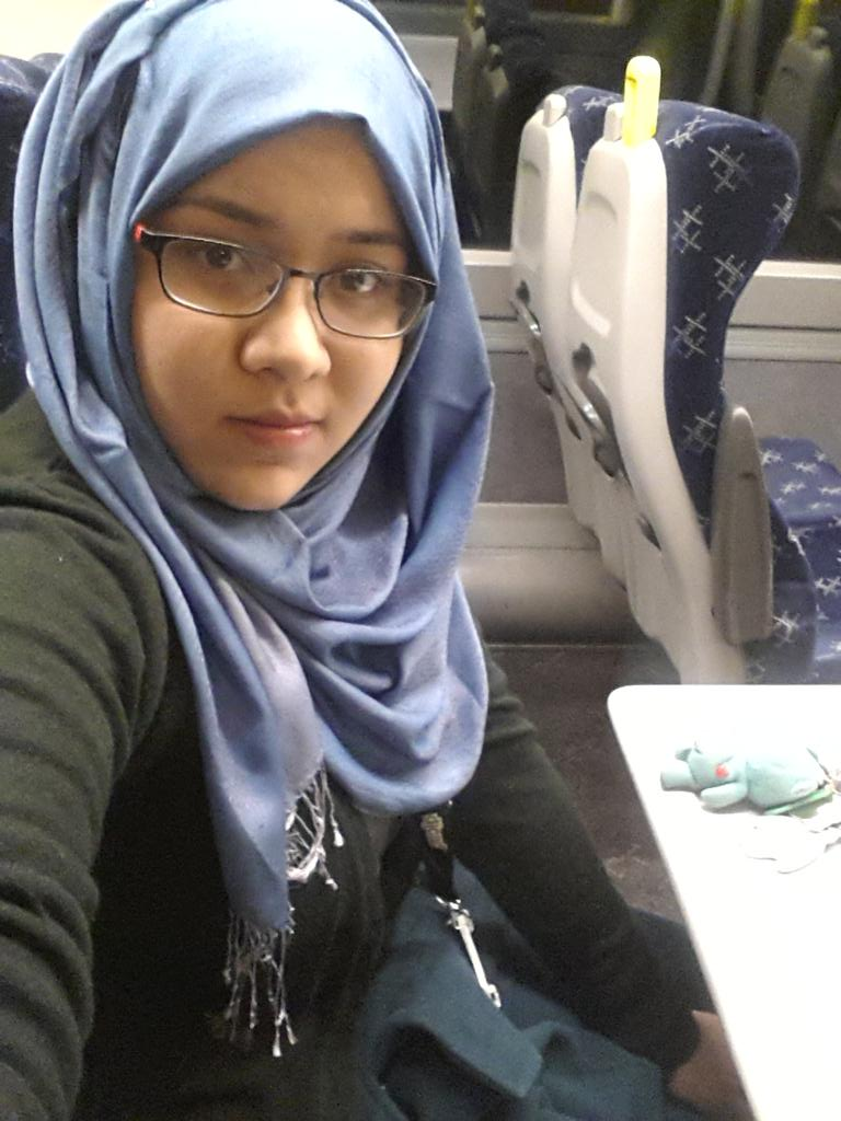 I don't always take selfies, but when I do, its at 6 am on the train to Edinburgh for an interview with a design team http://t.co/4RuHd5YcV4
