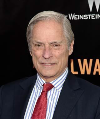 CBS News correspondent, Bob Simon, 73, killed in a car accident in New York City on the West Side Hiway. What a loss http://t.co/wNFfU2ODo3