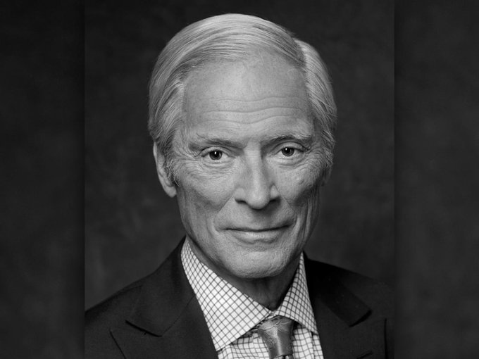 60 Minutes mourns the loss of correspondent Bob Simon, who died tonight at age 73: http://t.co/tJK0uRpLTR