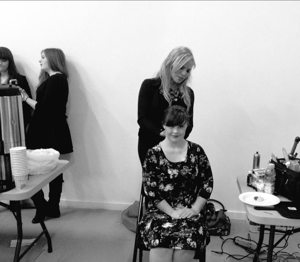 @MsJamieBrewer getting her hair done by Lauren from #NYIB   From AHS to #NYFW she can do it all! http://t.co/yWzg2O5Ffv