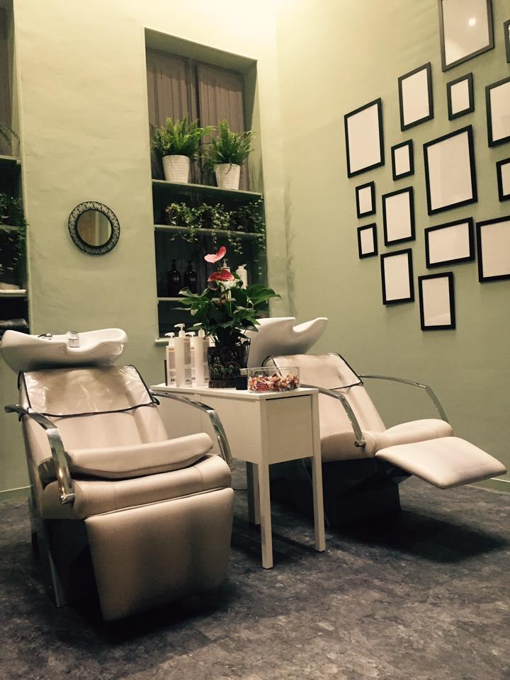 je vous invite a dcouvrir le nouveau salon de coiffure sur bordeaux coiffure coloriste barbier decoration bdxpictwittercomtmkbz83p68 - Coloriste Bordeaux