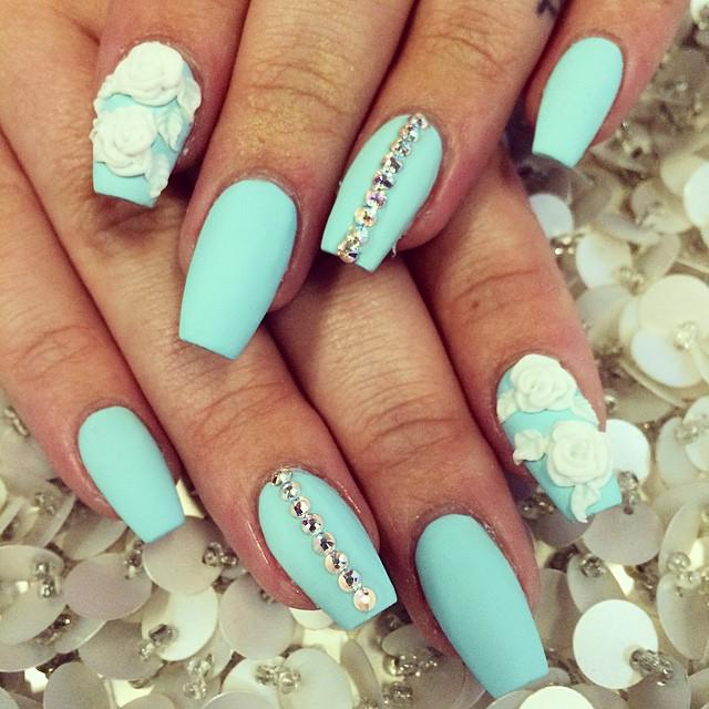 ... #Art #Flower #If #Love #nail Please RT: http://www.nailart-ideas.com/ aqua-with-white-acrylic-flower-nail-art-would-love-if-they-were-almond-shaped  … ... - Mahlako Shika On Twitter: