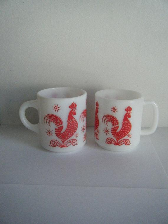 """I want these! ... """"@lizzibooonetsy: 1950s Vintage red rooster mugs http://t.co/d1CirS4a08 #midcentury #1950s #etsy http://t.co/NYFtSP3mLb """""""