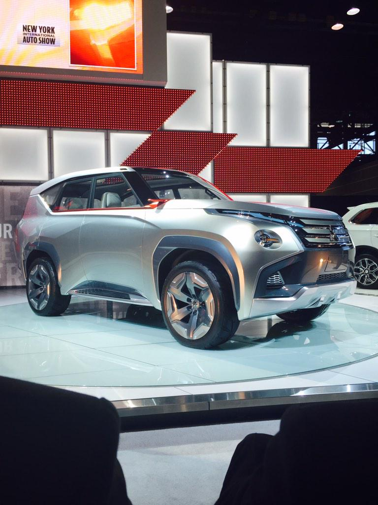 Coolest concept at #CAS15 so far is from @mitsucars => GC-PHEV http://t.co/Tdeww0y0Og