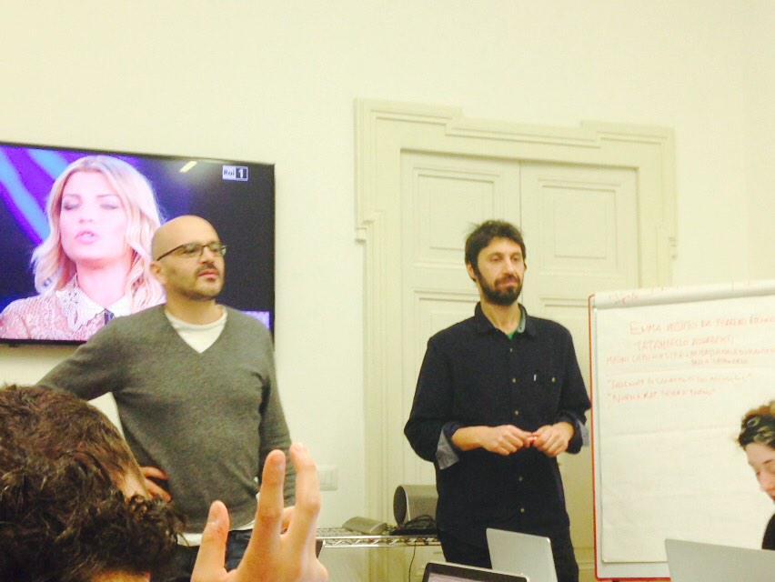 Mentre la musica va, i prof interrogano. @marcodiotallevi @LorenzoTerragna #Sanremo2015 #Sanremo15 @iedroma http://t.co/xS41TXMkCw