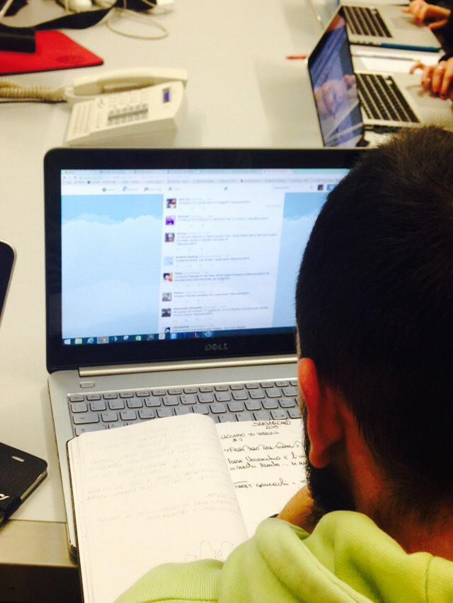 Quelli che tra un po' Twitter gli blocca l'account. #festivaldisanremo #sanremo15  #Sanremo2015 #instantadsnight http://t.co/RG7aQW4I2F