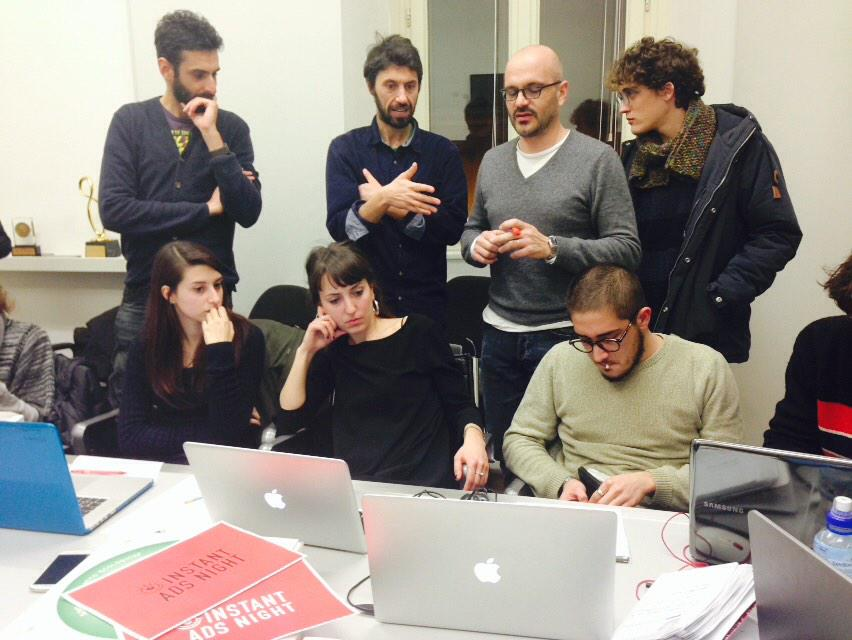 Brainstorming 2. #sanremo è una fonte inesauribile di idee. #Sanremo2015 @iedroma http://t.co/qsVIiD1Lgr