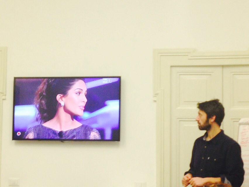Momenti di distrazione. @marcodiotallevi #instantadsnight #sanremo15 #Sanremo2015 #festivaldisanremo #rociomorales http://t.co/VTRQaETPdu