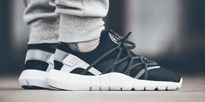 nike huarache black and white on feet