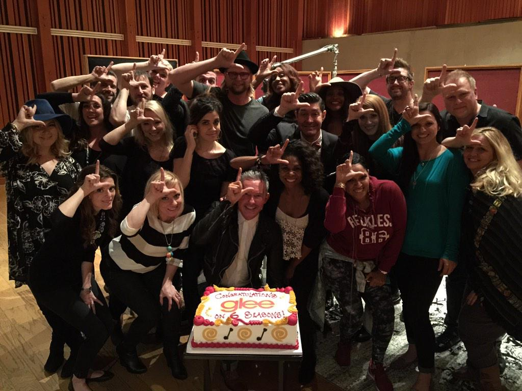Greatest group of musicians in the world! Thank you all for 7 great years! #GleeGoodBye #gleefamilyforlife http://t.co/jLeRyJ9wBw
