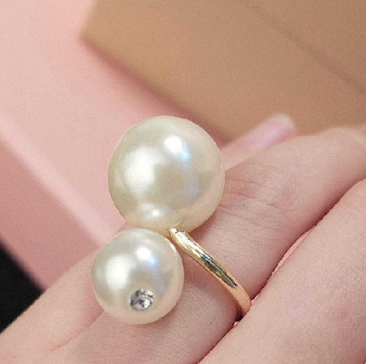 Large double Pearl ring https://t.co/C6XgMiQlMo  https://t.co/EHFAENVvW5
