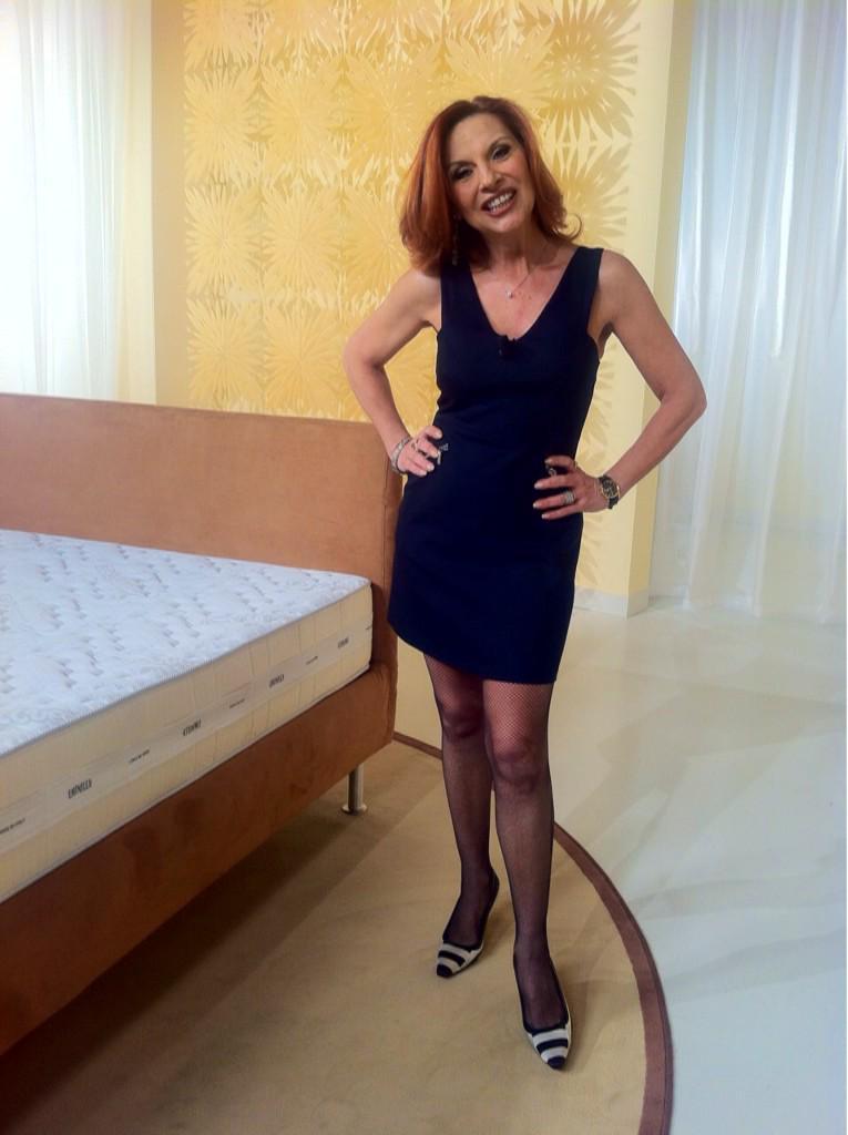 Patrizia rossetti on twitter goldenlady886 adoro le for Patrizia rossetti cosce