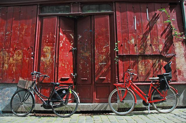 Bikes and #Red wall in #Ghent for #FriFotos http://t.co/8I50K3BmwJ