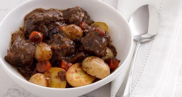 Cooking at home on #ValentinesDay? Try Beef Bourguignon courtesy of ambassador @chefmarcmurphy http://t.co/FmhrfJx8lh http://t.co/WgfQiohYRO