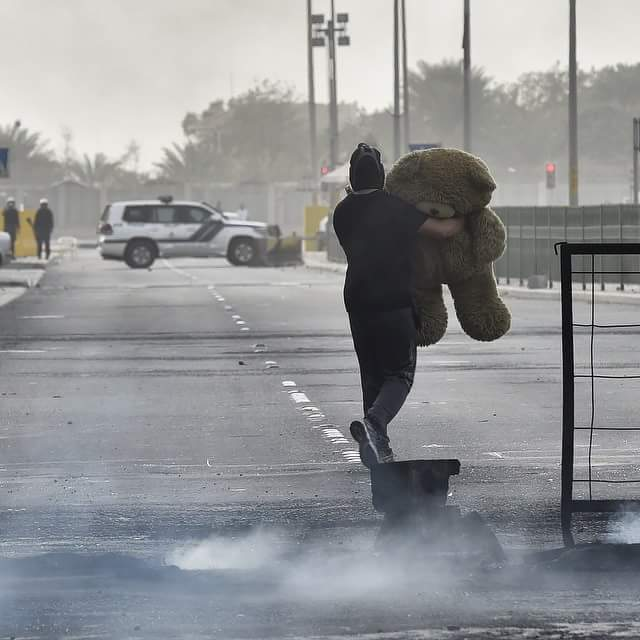#notphotoshop Teddy bears steal the show at #Bahrain #Feb14 anniversary festivities. Picture by @MazenMahdi http://t.co/kJOqYZkIjn