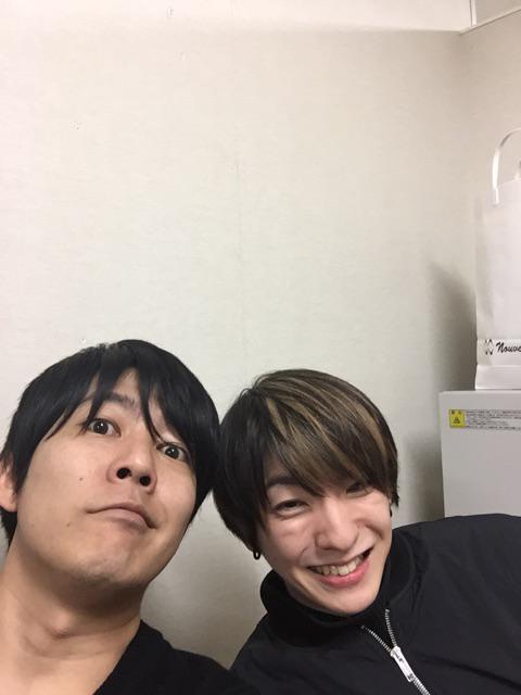 横浜タワレコでのDVD発売イベント終了!ご来場下さった皆様ありがとうございました。写真は前田公輝と。 http://t.co/JBZtgA6yui