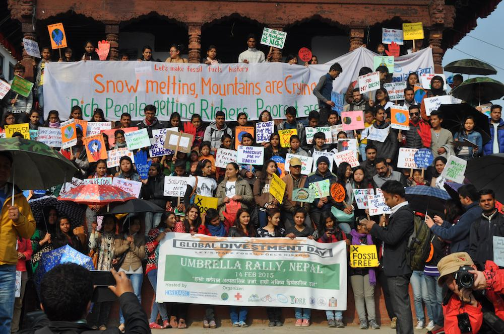 'Snows melting, mountain is crying' 500 Nepalese youth rally to make fossil fuels history 4 climate justice #divest http://t.co/YqfovQkX8p