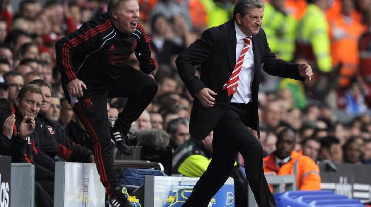 Walking in the club tonight with your mate to try and secure a last minute girl! #ValentinesDeadlineDay @TSBible http://t.co/8SQsNdBNlA