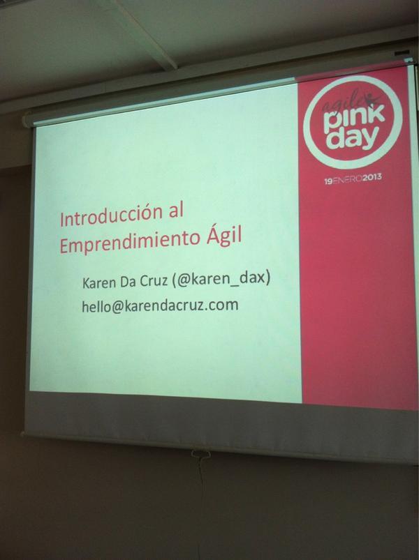 Preparando mi charla de lean startup en #AgilePinkDay http://pic.twitter.com/gtaJTLN4