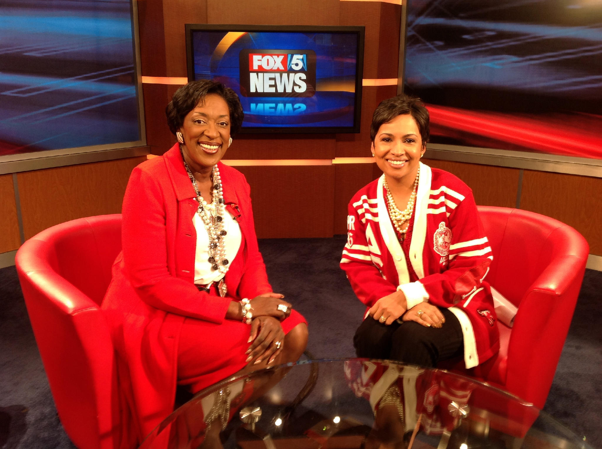 Delta sigma theta on twitter did you notice soror - Delta sigma theta sorority cardigans ...