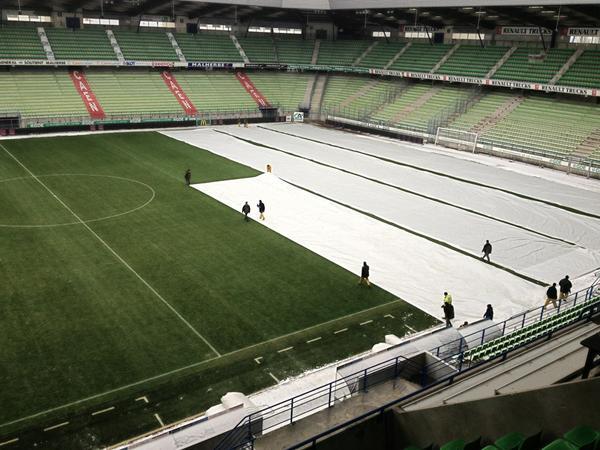 [21e journée de L2] SM Caen 0-1 Chamois Niortais - Page 3 BA5pm1qCMAMKuzY