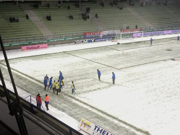 [21e journée de L2] SM Caen 0-1 Chamois Niortais - Page 4 BA6VvdYCAAAGmh9