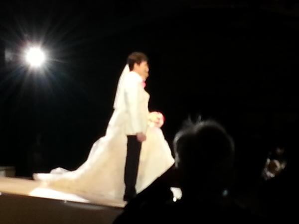 郷 ひろみ 結婚