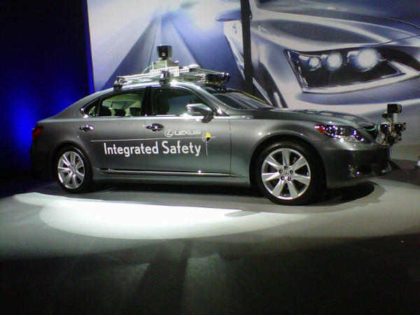 "Lexus intelligent car (kind of like Google's driverless vehicles) won't hit market anytime soon, needs to ""build trust"" http://pic.twitter.com/JDg0Pece"