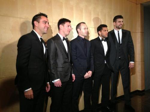 Messi wins Ballon d'Or 2012!-http://pbs.twimg.com/media/BABbty9CEAAgXwS.jpg:large