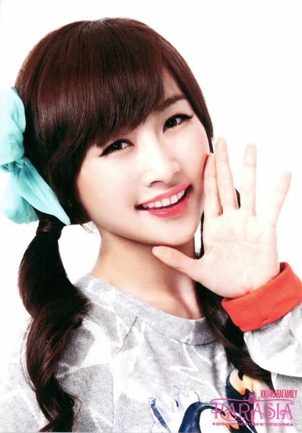 韓国 ダンス ダイエット NiziUも避けて通れない「K-POP流ダイエット」の過酷な中身〈KARAはカ...