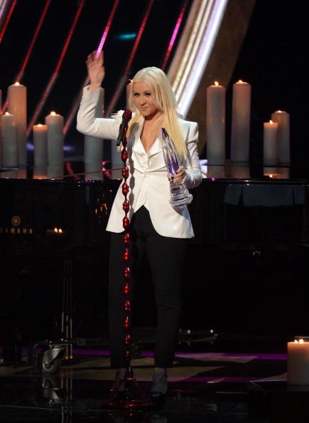 [Tema Oficial] [Video+Fotos] Christina Aguilera en los People's Choice Awards 2013 BAOI24lCUAIUqRT