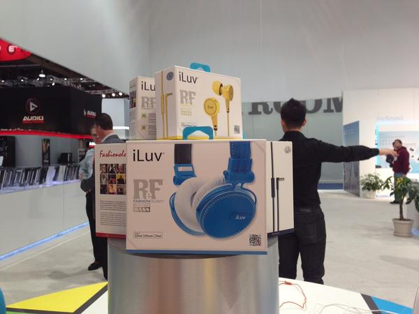 Loving the super cute neon earbuds at @iluv_world and new ReF headphones. #2013CES http://pic.twitter.com/SQfGkwQ6