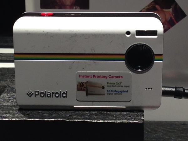 Still love the instant gratification of instant film. @poloroid #2013CES http://pic.twitter.com/Z7ab20qK