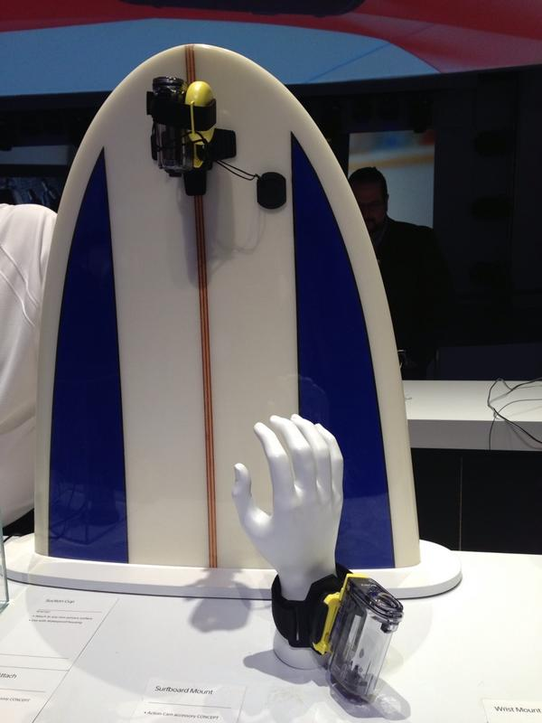 Hang ten! Check out the surfboard mount from @sonyelectronics in their action camera. #2013CES http://pic.twitter.com/FUMFIaD5