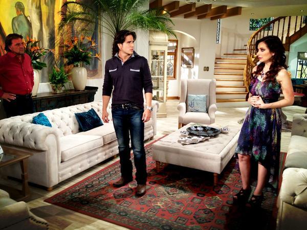 Rene Strickler Daniel Arenas y Elizabeth Alvarez en escena.