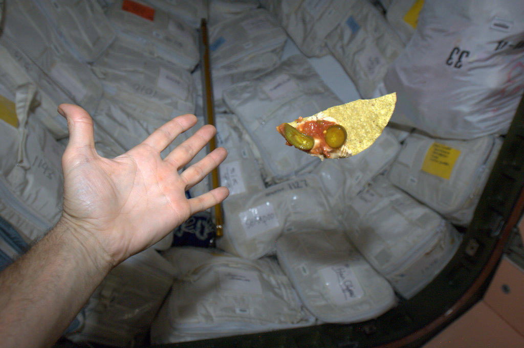 Un astronaute canadien tweete ! BAXDUAdCMAAJufw