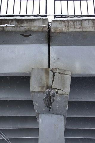 Мост в Саранске: трещина в опоре.