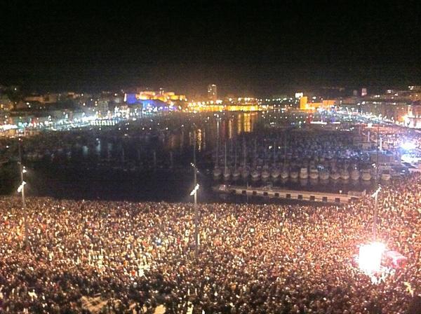 RT @ChristinedeNice: #Marseille #MP2013 Sur le Vieux-Port avant la grande clameur http://pic.twitter.com/l8m8pMeJ