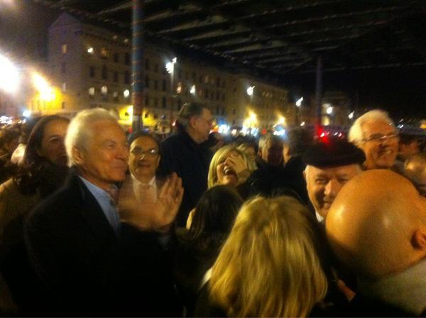 RT @stephanemari: #mp2013 la grande clameur sur le vieux port  avec @CaselliEugene en chef d'orchestre http://pic.twitter.com/En3U5gGG