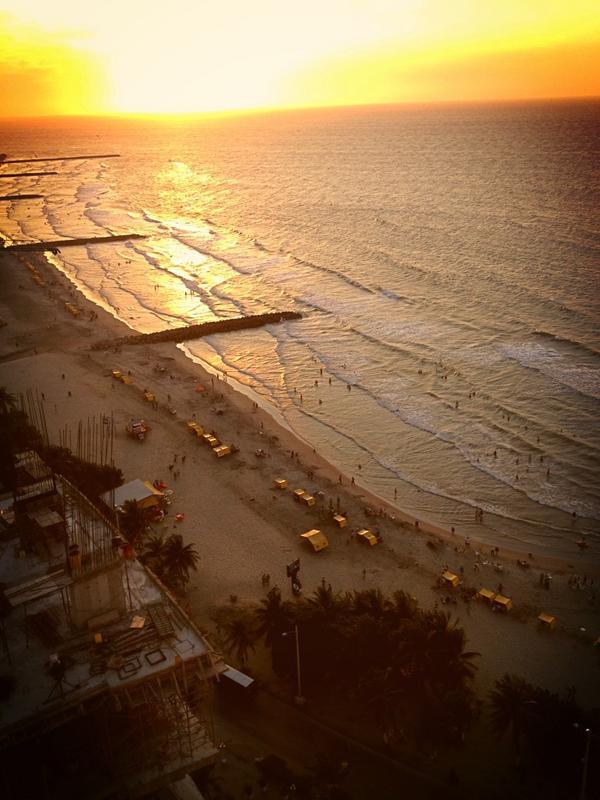 Playa Boca Grande desde @hotelcapilla #ColombiaBT http://pic.twitter.com/kL1niLUr